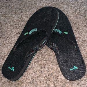 Hawaiian sanuk flip flops